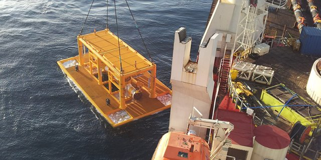 """36"""" Export SSIV Lowered to Seabed"""
