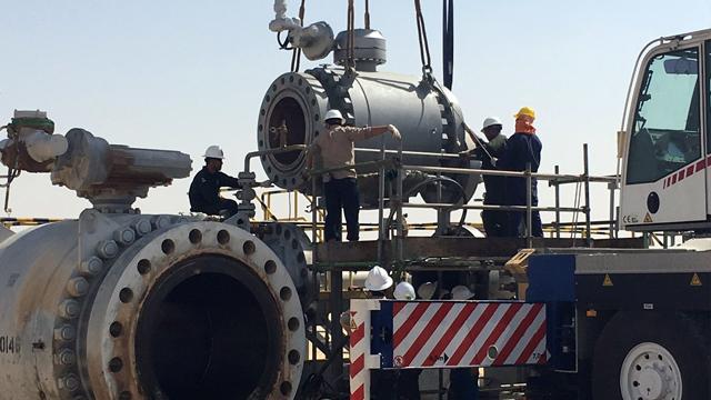 Pig trap valve installation